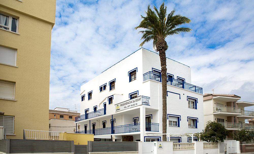 residencia-la-palmera-fachada-1