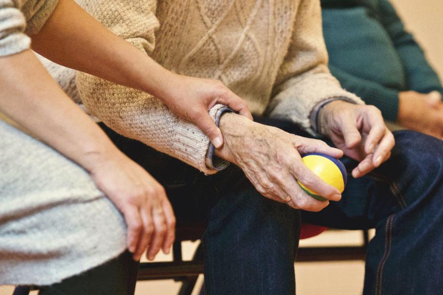 residencia-la-palmera-residencia-la-alzina-cuidado-ancianos